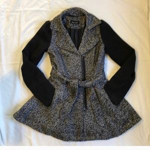 Fit-n-Flare Skater Coat by New Look Size Small